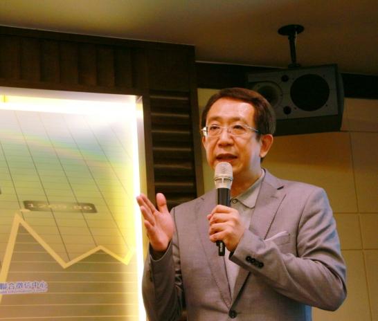 發表【FinTech 理財新浪潮 - 機器人理財趨勢與創新應用】@ 台灣經濟論壇, 2016.12.21.