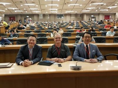 CEO of Cloud Security Alliance - Jim Revais (中)